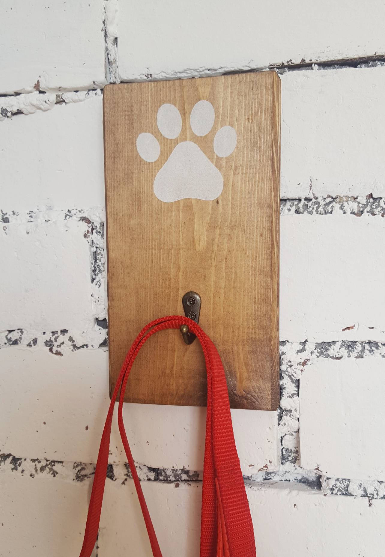 Wall Dog lead Hanger - White Paw Print - Caramel Treasures