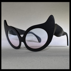 Nouvelle Chicane Cat Eye Fashion Sunglasses Isometric View
