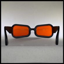 Load image into Gallery viewer, Vintage Visor Sunglasses Rear View