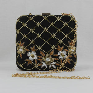 black clutch with shoulder chain