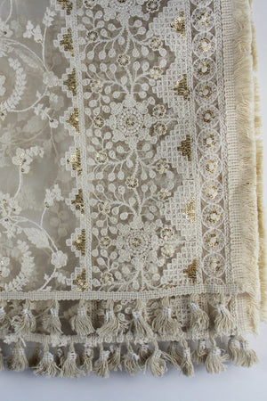 white threadwork chunni