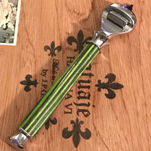 Load image into Gallery viewer, Wood Razor Green & Silver Fusion