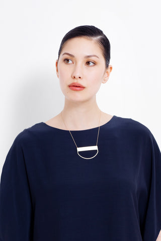 Short Arc Metal Necklace