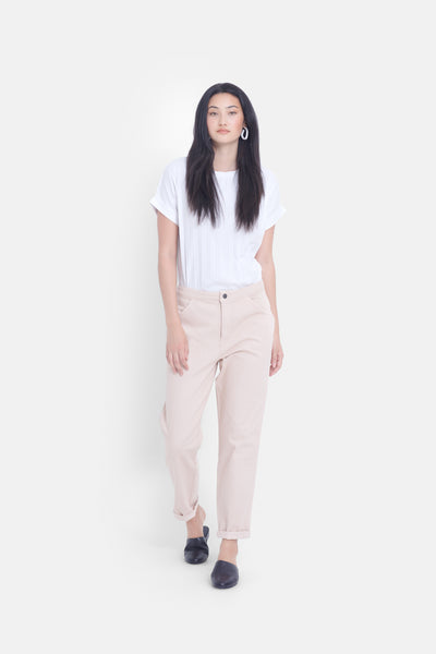 Gusta Mid-Rise Sustainable Denim Jean Model Front | Powder Pink