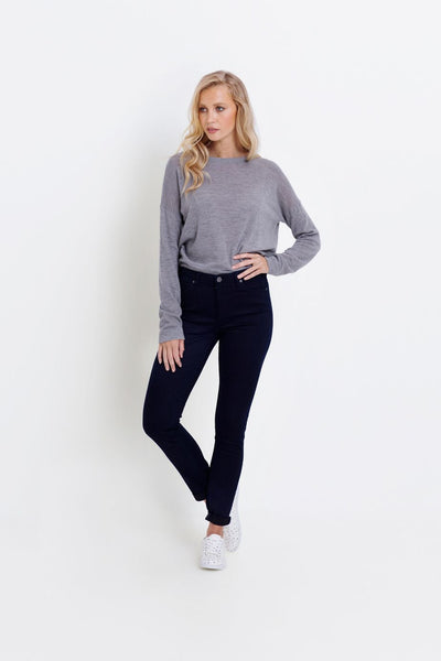 Oslo-denim-jeans-deep-indigo-model-front