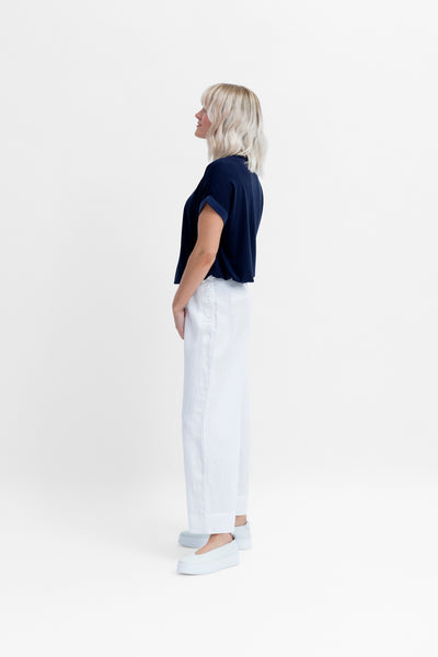 Hersom French Linen High Waisted Pants Model Side | White