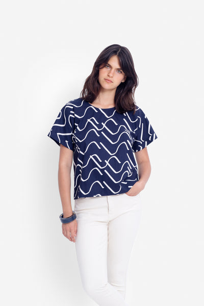 Ollie Printed Top Model Front | INK/ ECRU
