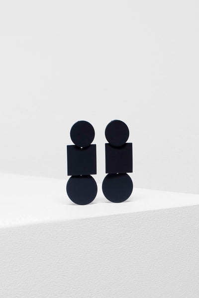 Fala Shaped Drop Earrings Black
