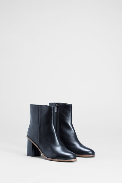 Maya-leather-chunky-heel-boot-black-side