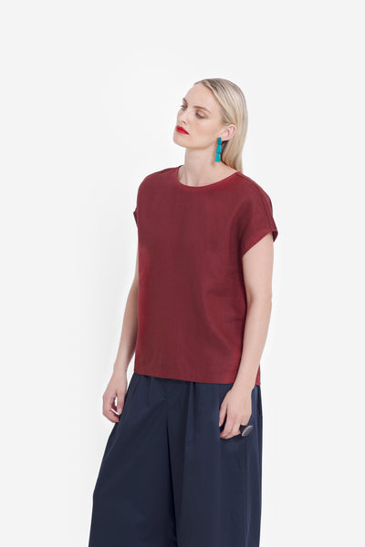 Hersom French Linen Loose Fit Top Model Front | Paprika