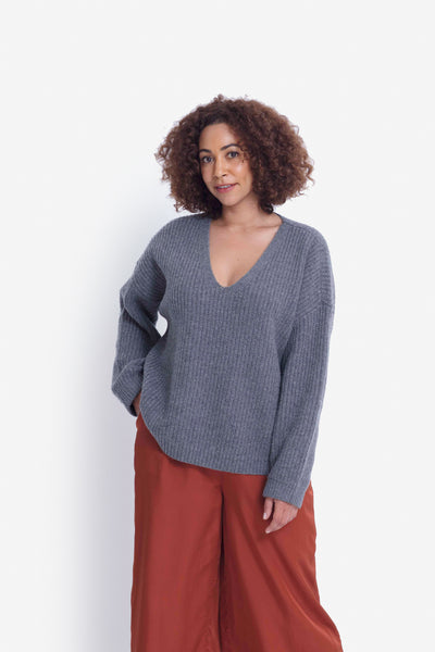 Hennie Chunky Knit V-Neck Sweater Model Front | Grey