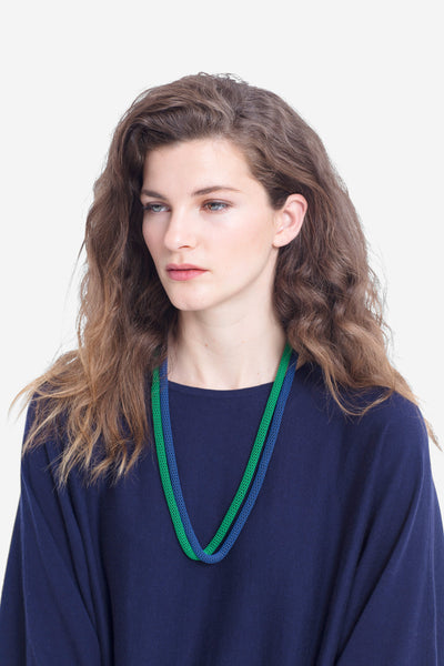 Britt Statement Necklace Model Front GREEN/BLUE
