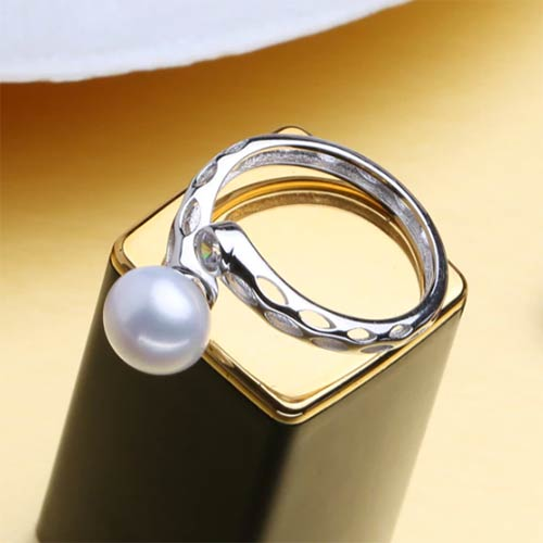 Beautiful Natural Freshwater Pearl Adjustable Opel Ring