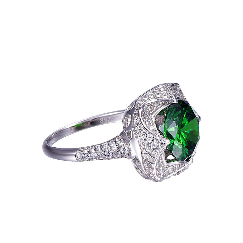 Beautiful Round Cut 6.5 carat Emerald Ring with Zircons for Women