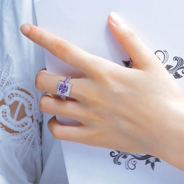 Breathtaking Amethyst Gemstone Ring