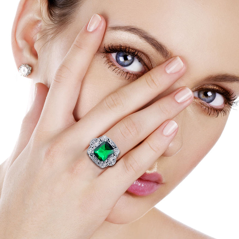 Vintage Flower Big Ring with Green Emerald Gemstone