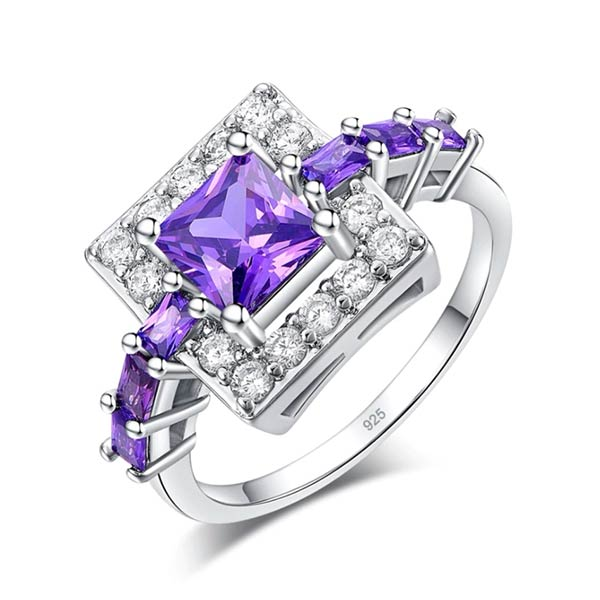 Breathtaking Amethyst Gemstone Ring for Women