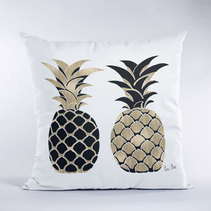 Pineapple illusration in black and gold on white throw pillow