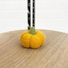 "Load image into Gallery viewer, 1.5"" Orange Felted Pumpkin"