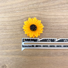 Load image into Gallery viewer, Flat Back Resin Sunflower - 3 pack