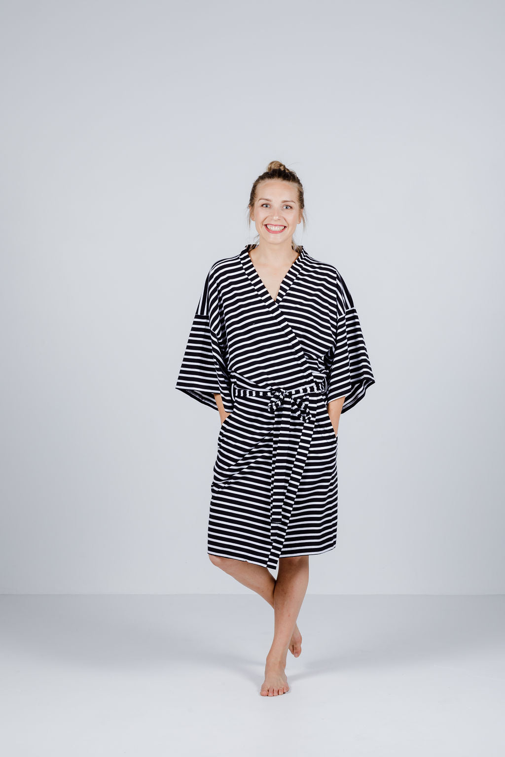 ROBE - Black & White Stripes