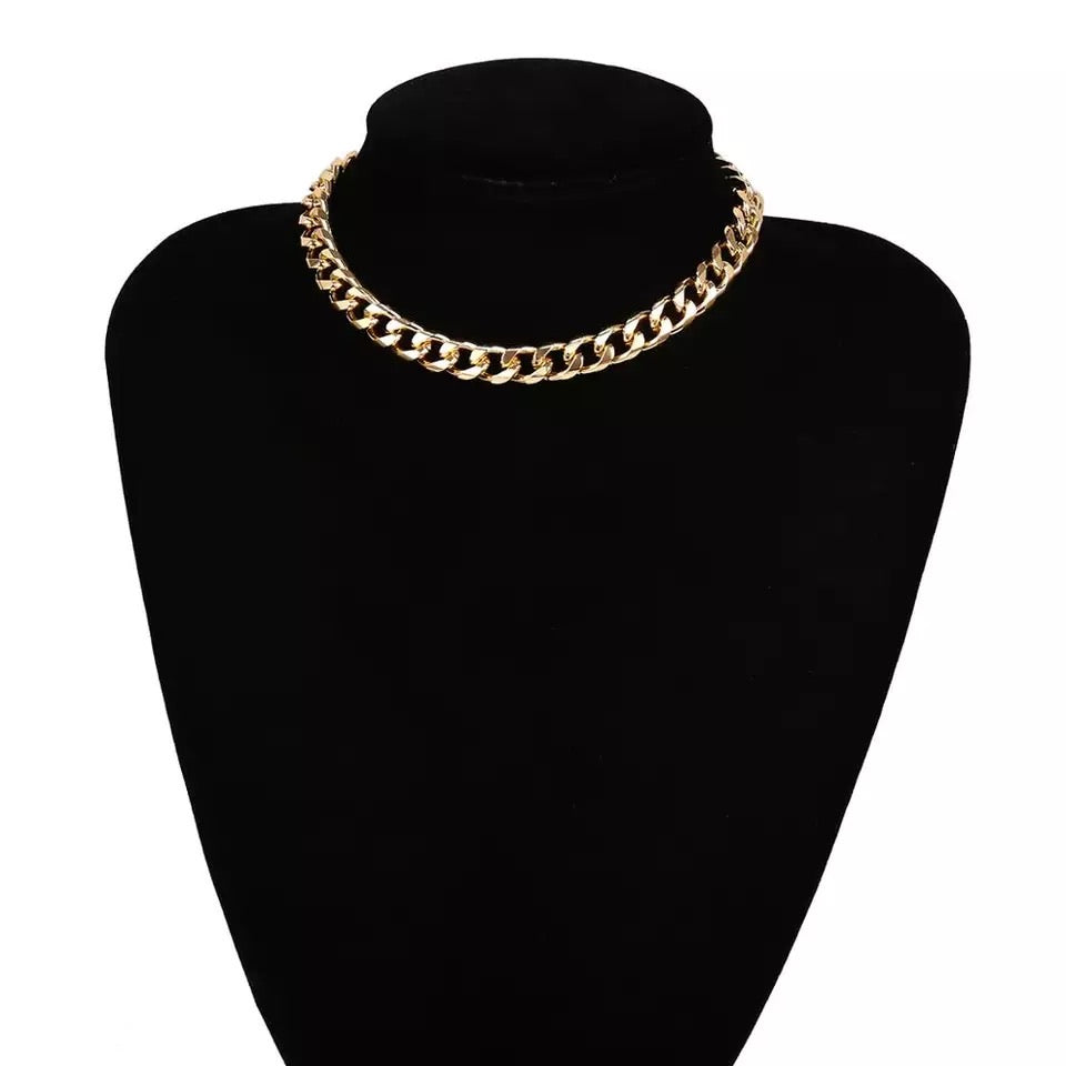 Evie Gold Thick Chain Necklace