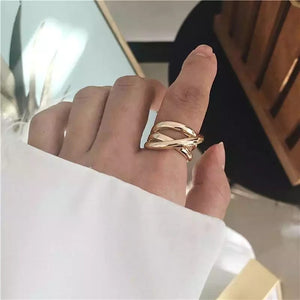 Flora Twisted Gold Ring