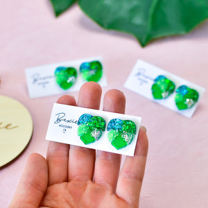 Mini Monstera small leaf resin stud earring - rainforest green