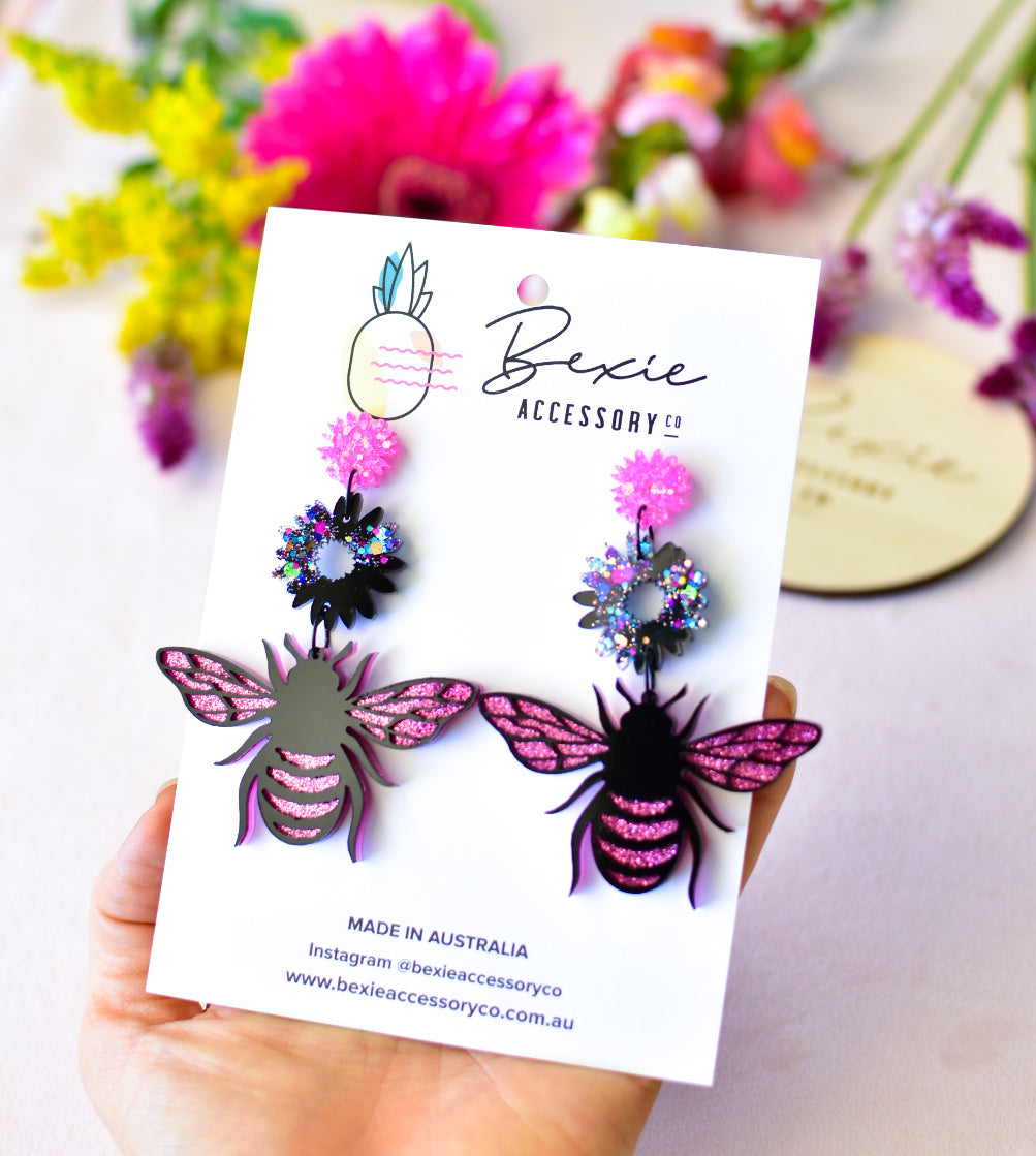 Bee dangle earrings - Black galaxy and hot pink