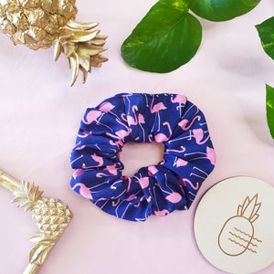 Scrunchie - Navy flamingo