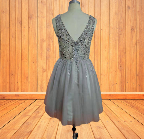 https://www.promfast.com/products/luxurious-sequins-beaded-v-neck-tulle-short-gray-homecoming-dresses-pfh0003