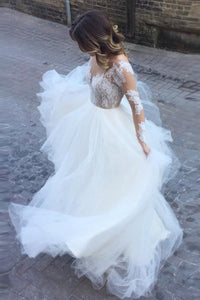 Romantic Ball Gown Long Sleeves Appliques Ivory Tulle Wedding Dress Bridal Gown PFW0113