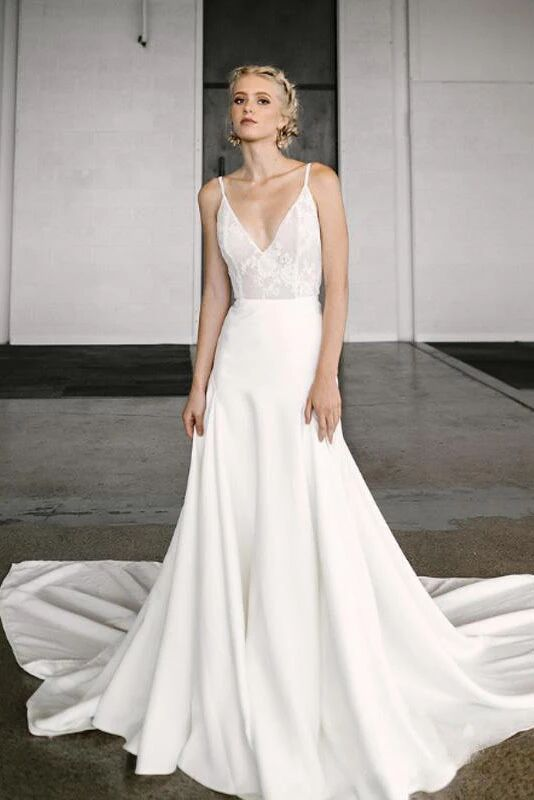 Elegant A-Line V Neck Spaghetti Straps Wedding Dresses with Lace PFW0371
