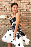 Sexy Spaghetti Straps A Line Short Prom Dresses Homecoming Dress with Black Appliques