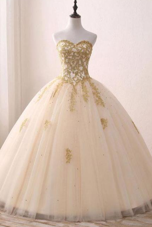 Sweetheart Tulle Long Ball Gown Prom Dresses With Appliques