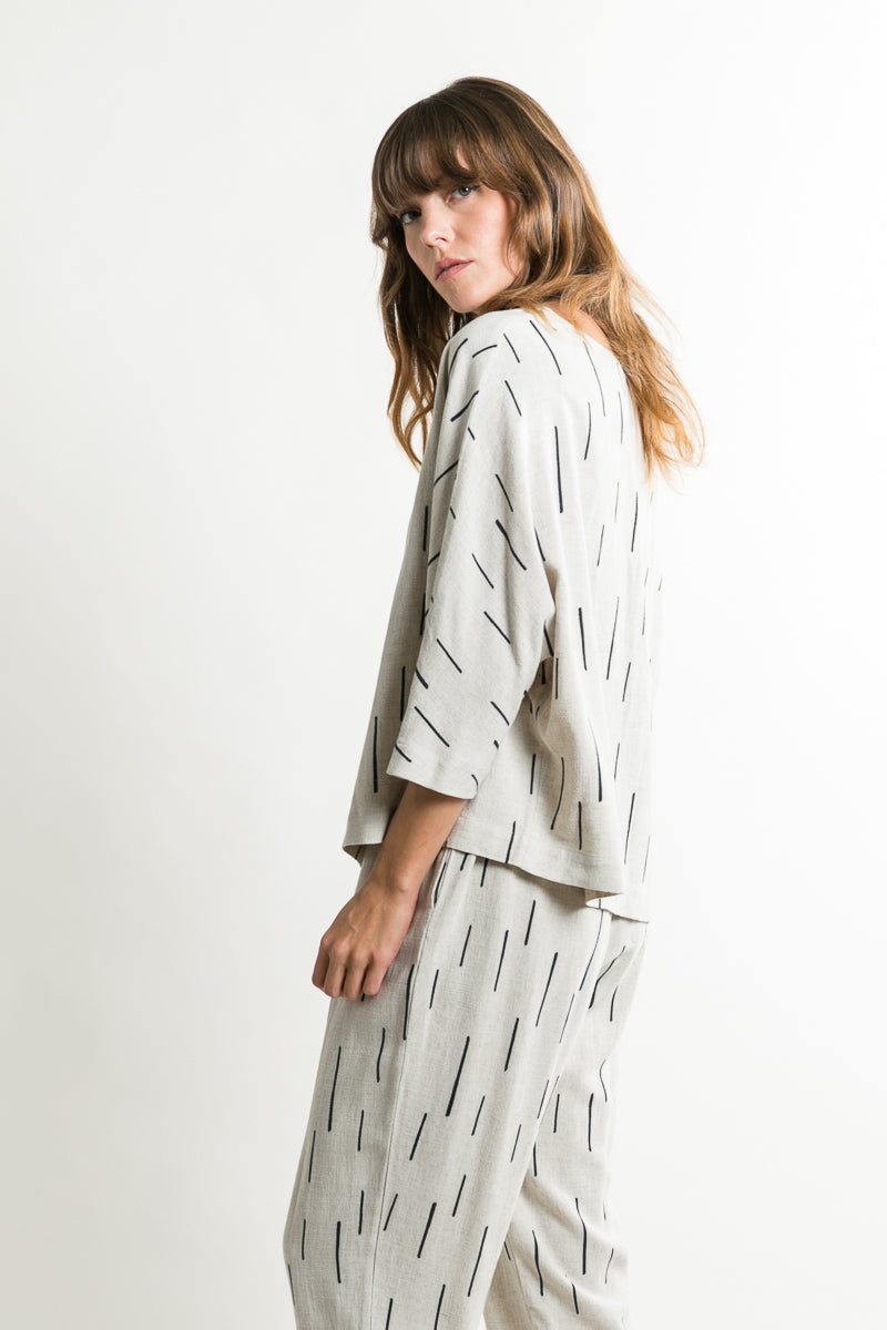 The Lety Dash Linen 3/4 Sleeve Top