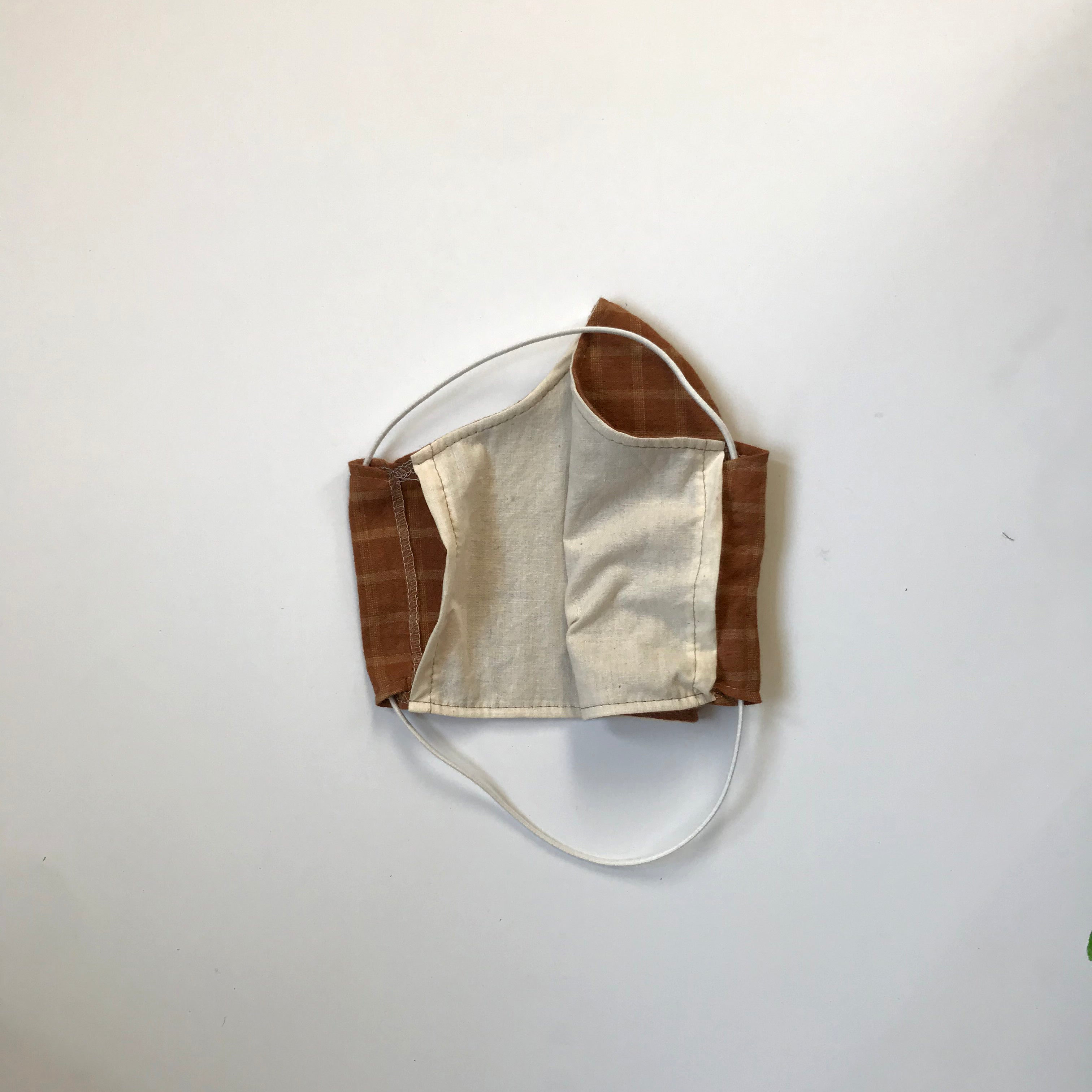 FACE MASK / RUST PLAID