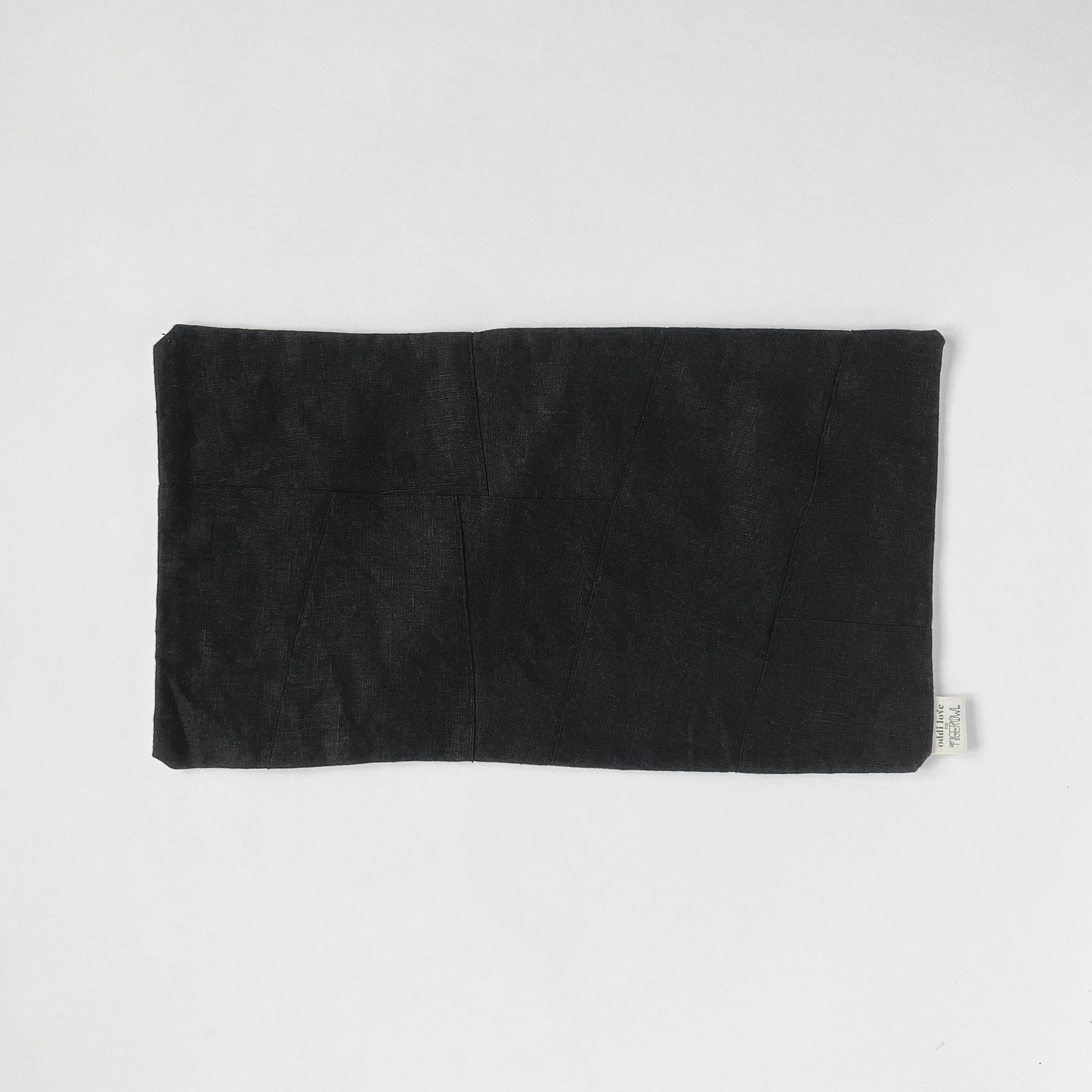 PILLOW SHAM / BLACK LUMBAR