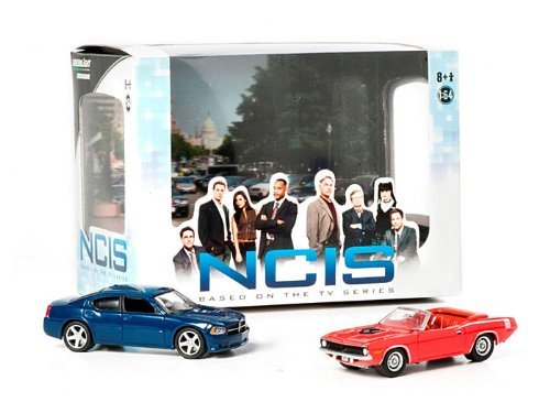 2009 Dodge Charger &Amp; 1970 Plymouth Cuda From The Television Show Ncis 2013 Greenlight Collectibles 1:64 Scale Diorama Die-Cast 2 Vehicle Set