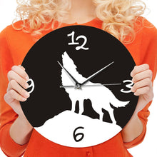 Load image into Gallery viewer, 1 Piece Howling Wolf Wall Clock
