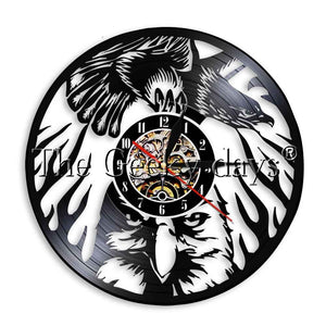 1Piece Bird of Prey Eagle in the Sky Vinyl Record Wall Clock Soaring Bald Eagle Animals Wall Watch LED Night Light Home Decor