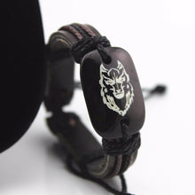 Load image into Gallery viewer, Wolf head men's leather bracelet classic carving resin leather bracelet hand bracelet men's bracelet