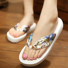 Load image into Gallery viewer, Women Slippers Bohemia Anti-slip Thongs Sandals Beach Flip Flops