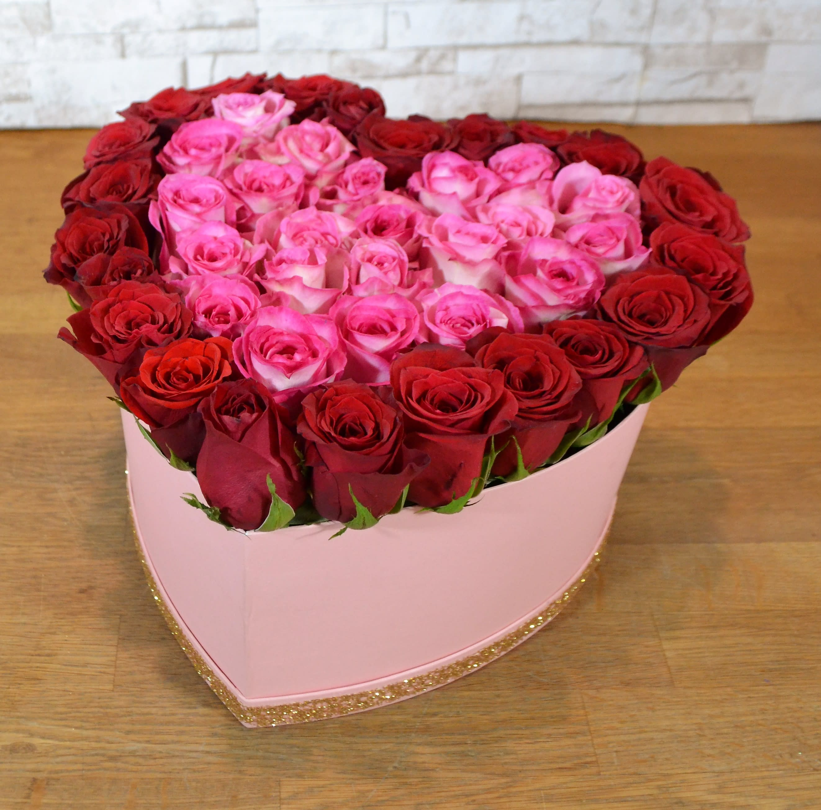Love with Red & Pink Roses