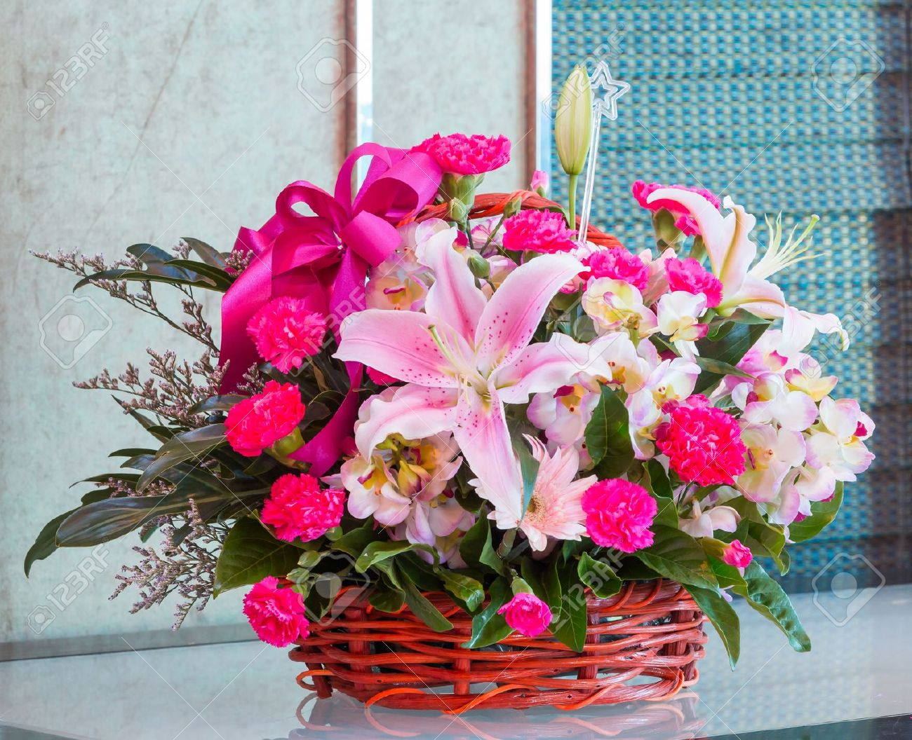Gorgeous Flowers Basket - Arabian Petals
