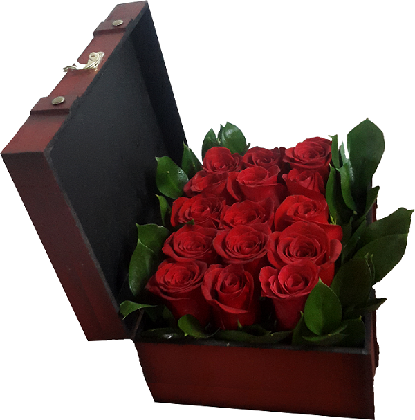 Treasure Box Arrangement of 15 Red roses - FWR - Arabian Petals