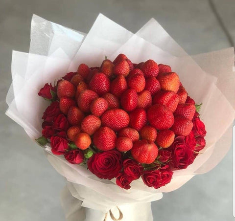 Red Roses & Strawberry Bouquet - Arabian Petals