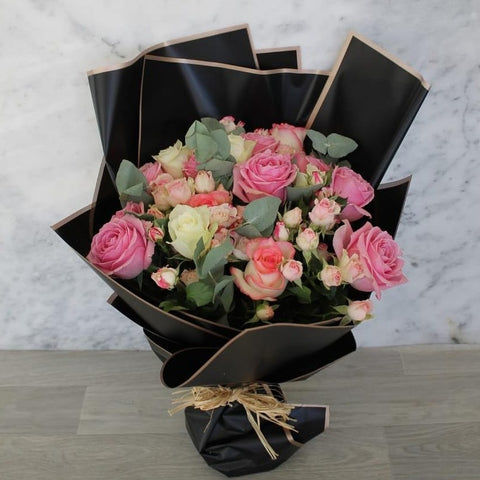 Bouquet Of Pink Color Roses - Arabian Petals
