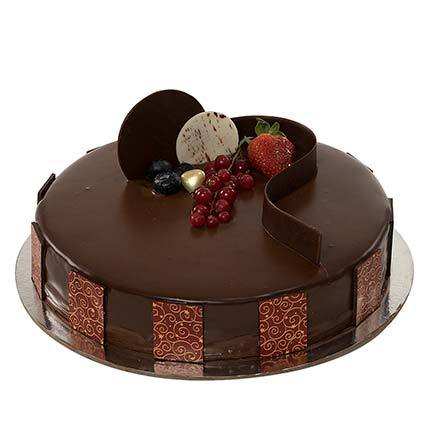 Eggless Chocolate Truffle Cake