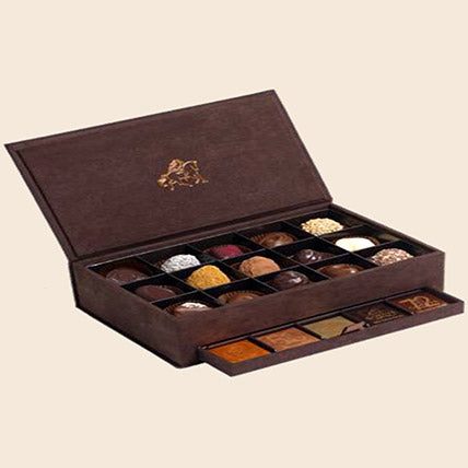 Royal Coffret Of Delights - Arabian Petals